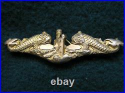 734. 1920's-1930's era USN Officer's Submariner Badge, full size, pin back