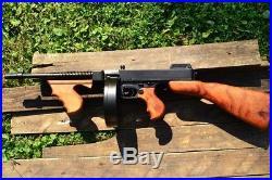 M1928 Thompson Submachine Gun 1928 Gangster Tommy Denix Replica